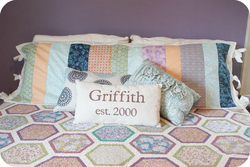 Fat Quarter Gang - Body Pillow Tutorial by Rachel Griffith from P.S. I Quilt #AGF & Fat Quarter Gang - Body Pillow Tutorial by Rachel Griffith from ... pillowsntoast.com