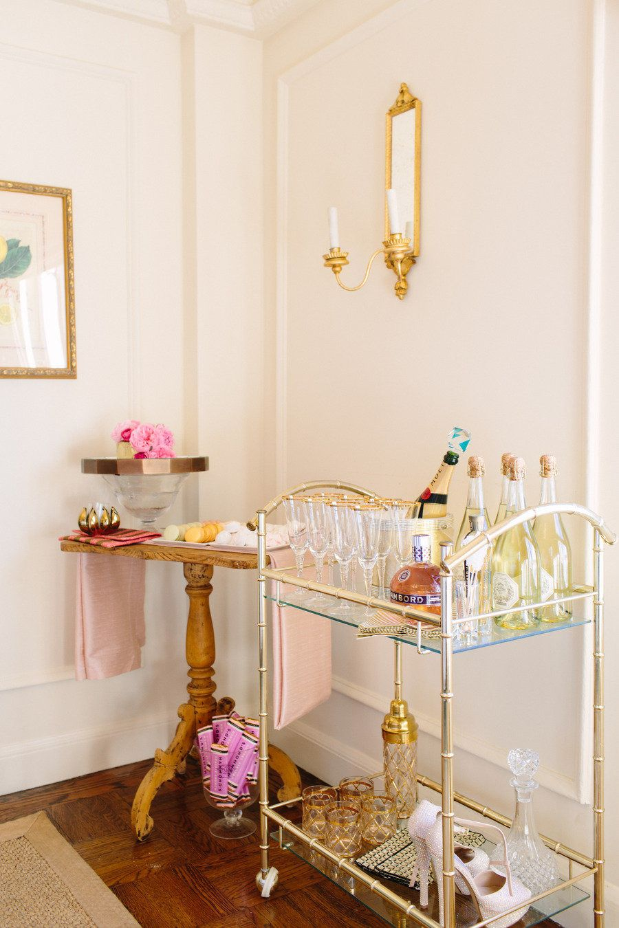 How to stock a bar cart Design & Styling: Aaron Hartselle Creative - aaronhartsellecreative.com/ Photography: Bess Friday - bessfriday.com/ View entire slideshow: How to Stock a Bar Cart on http://www.stylemepretty.com/collection/171/