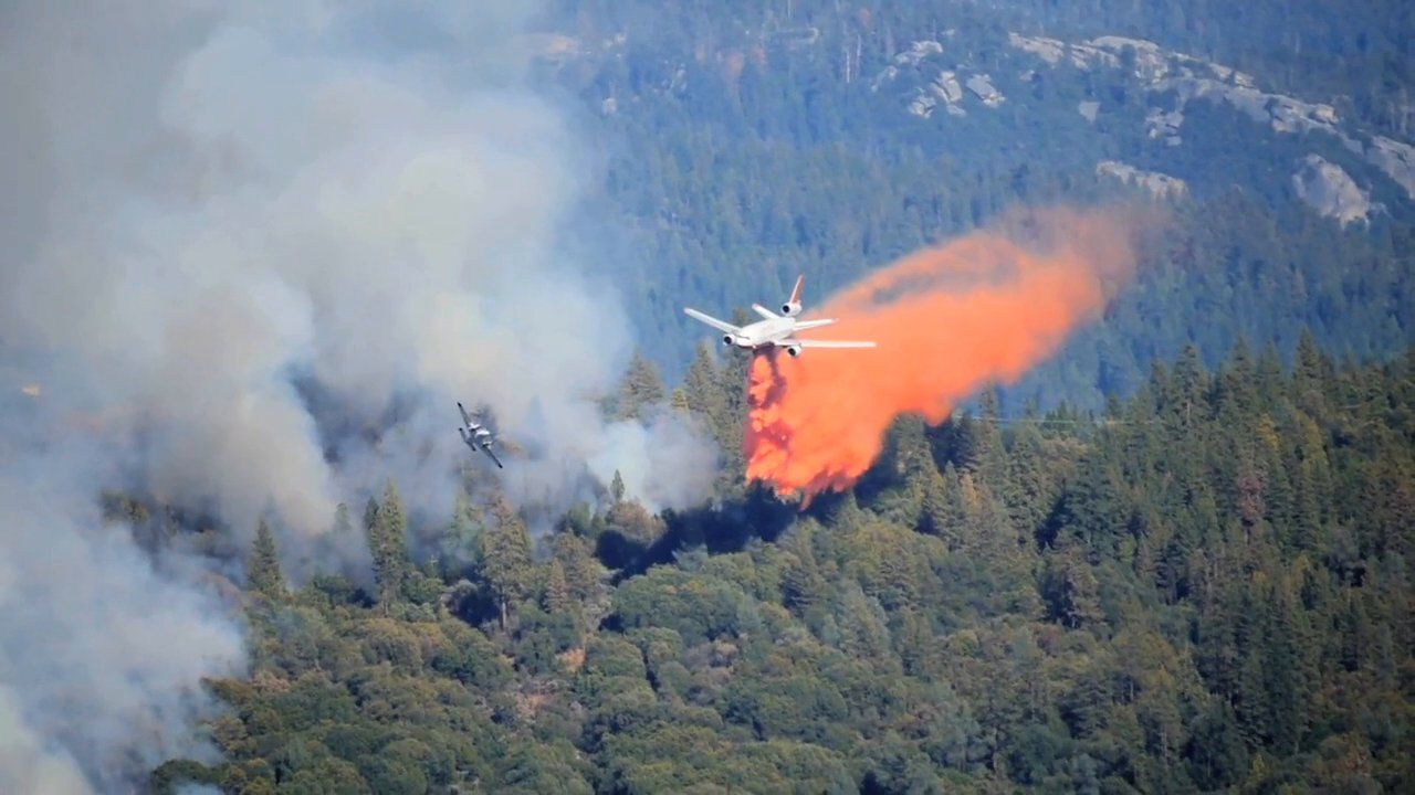 Fire South of Yosemite Burns 20 Homes, Forces Hundreds to