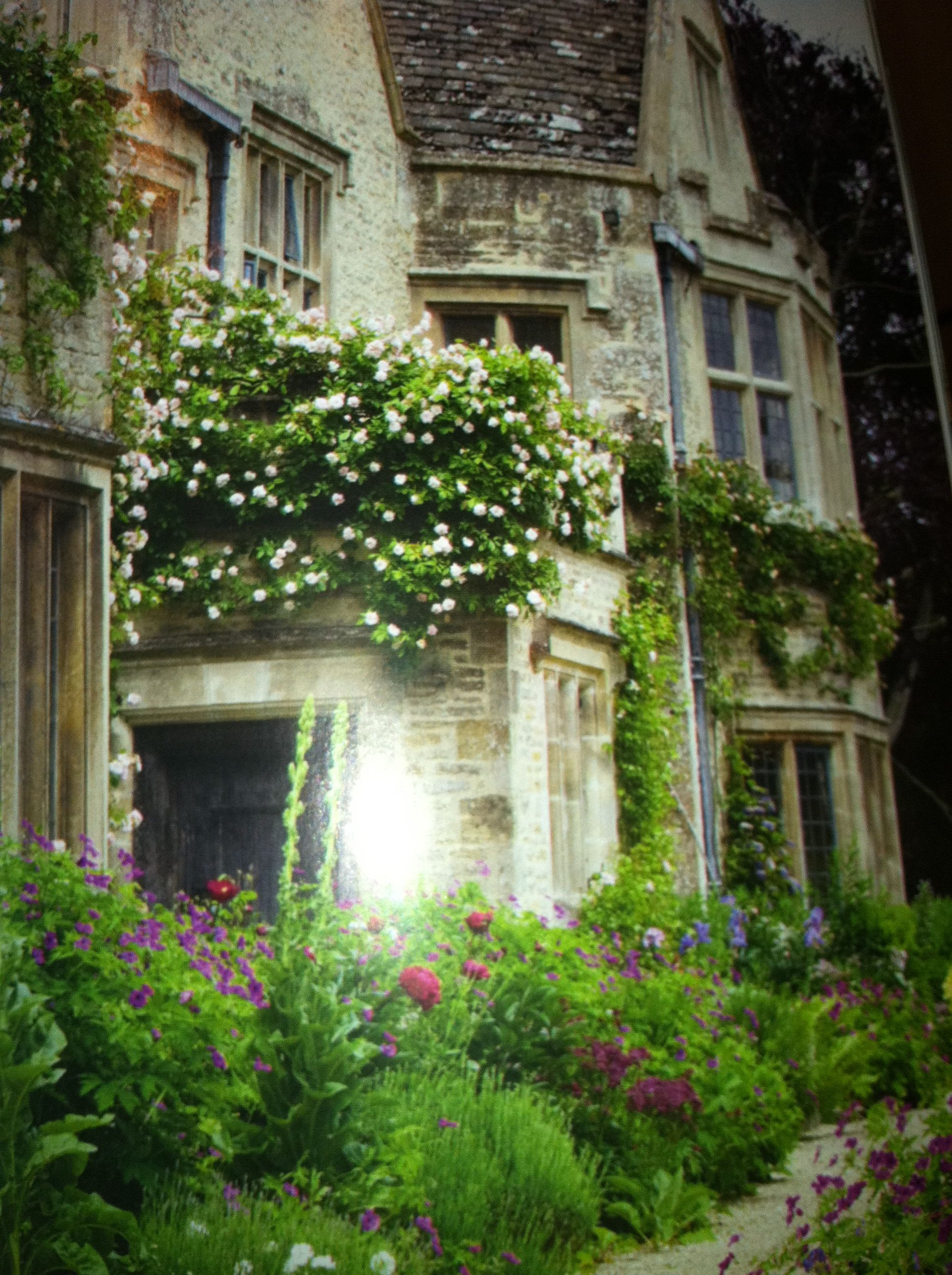 Secret Garden: Looks Like A Setting Of An Old English Classic!