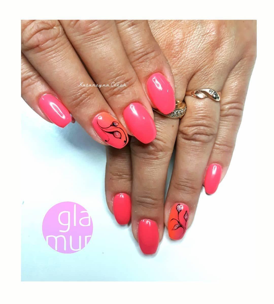 Paznokcie Zelowe Recznie Malowane Kwiaty Manicure Hybrydowy Paznokcie Spnnails Gelnails Glamurlodz Zdobie Gemstones Gemstone Rings Jewelry