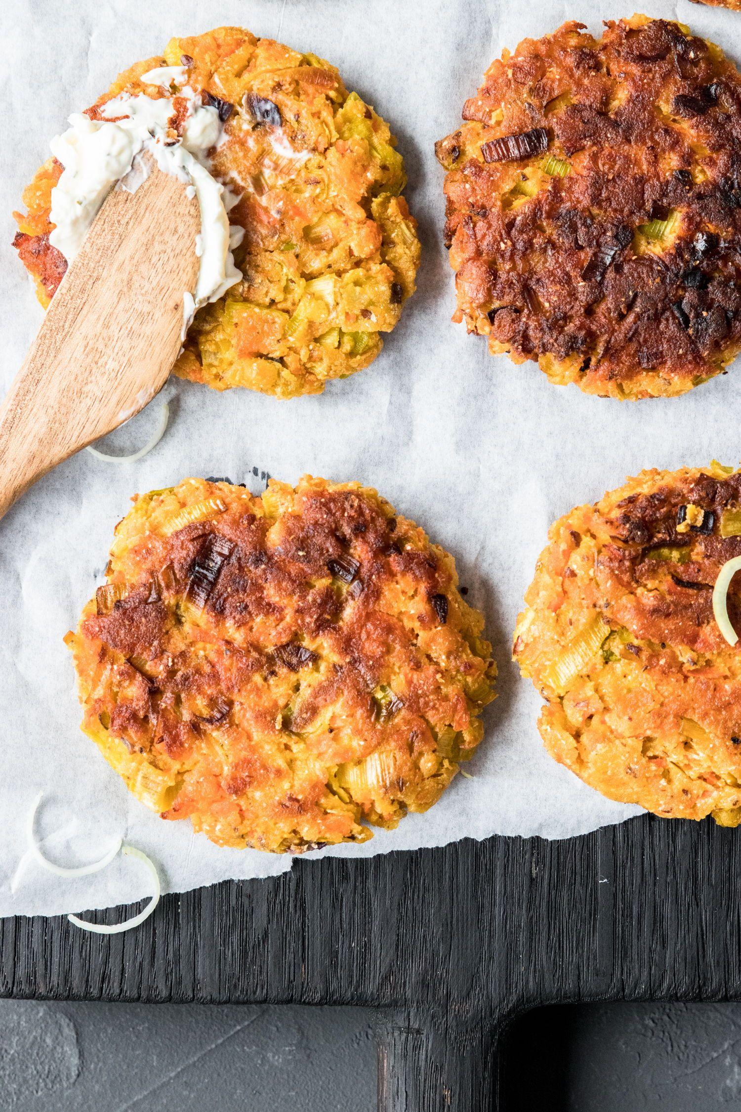 Schnelle Karotten-Lauch Puffer (glutenfrei und vegan)