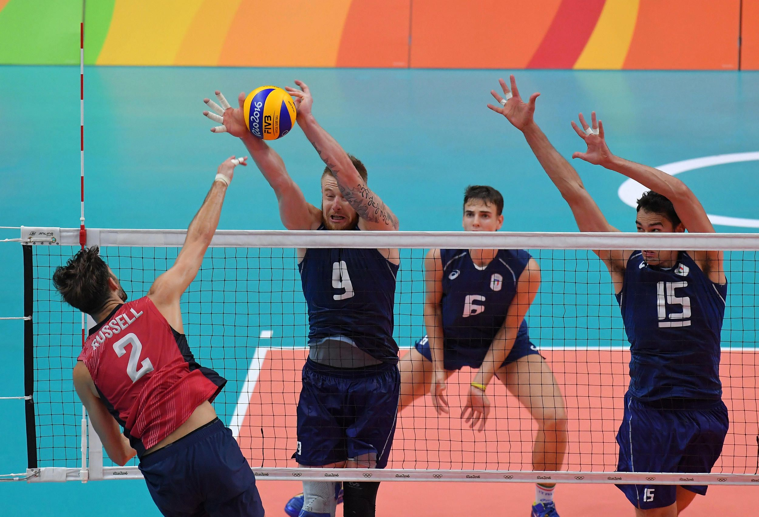 Ivan Zaytsev S Monster Block Against Aaron Russell S Spike In 2020 Volleyball Volley Basketball Court