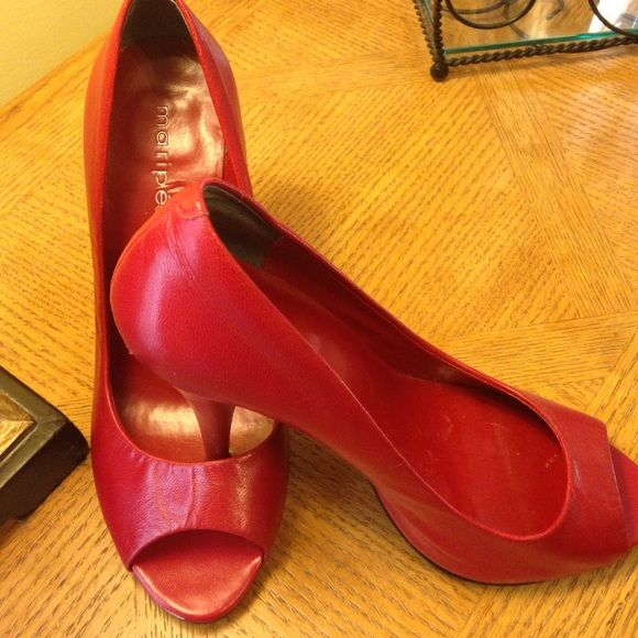 """Red pump heels-scuffs on top back-just need polish Red pump heels-scuffs on top backs-just need polish- otherwise, great condition. Approx 4 1/2"""" heels Maripe Shoes Heels"""