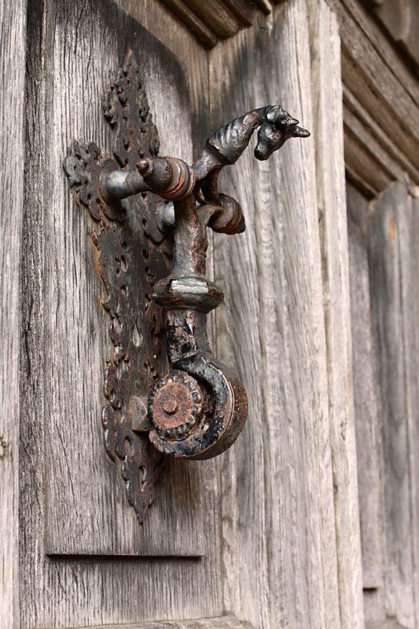 Door knocker by Mandy Jones - wwwthephotographerblog *Toc - Oeil De Porte D Entree