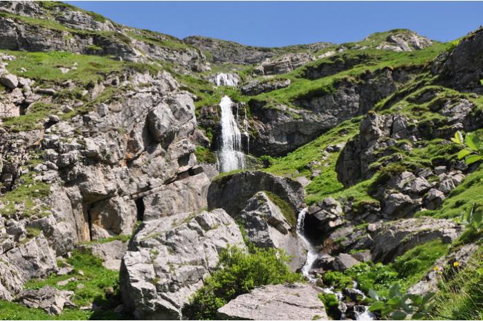 Hoy os traemos una ruta circular muy fácil y sencilla para realizar con niños.  https://goo.gl/6GuiLH  #Sallent #wikiloc #rinconesdelpirineo #pirineoaragones #pirineos #formigal #autumn #montañas #valledetena #mountain #senderismo #turismorural #casabiescas #nature #viajar #vacaciones #puravida #casarural #instagood #instapirineos