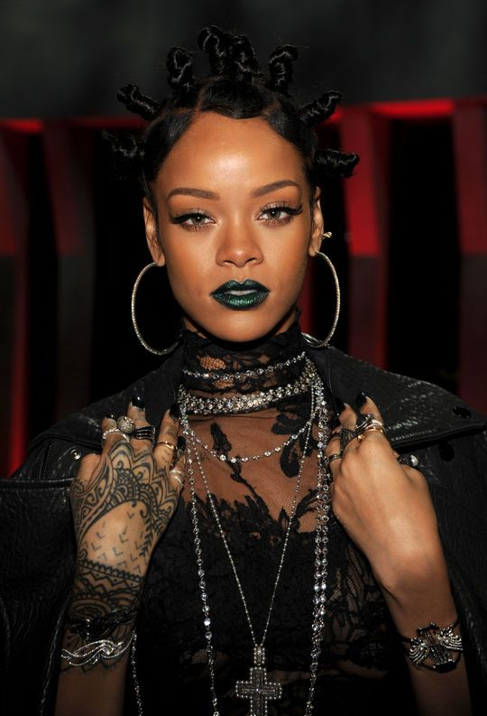 7cc2401df0c1 Why Rihanna s Green Lipstick at Last Night s iHeartRadio Awards Was Kind of  a Big Deal