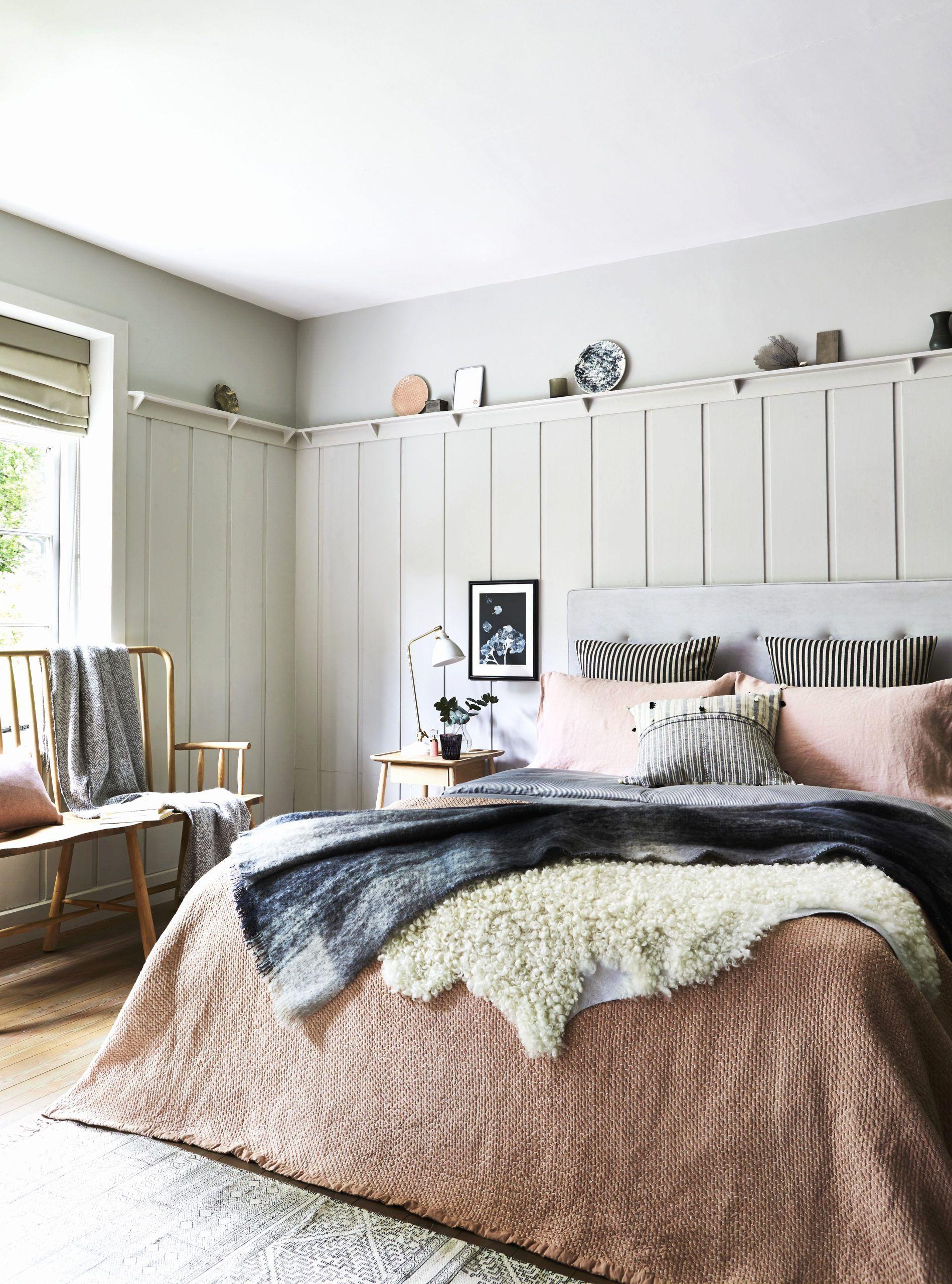 Mauve Lous Guest Bedroom Ideas A Simple Spare Room Refresh Guest Bedrooms Guest Bedroom Decor Guest Room Decor