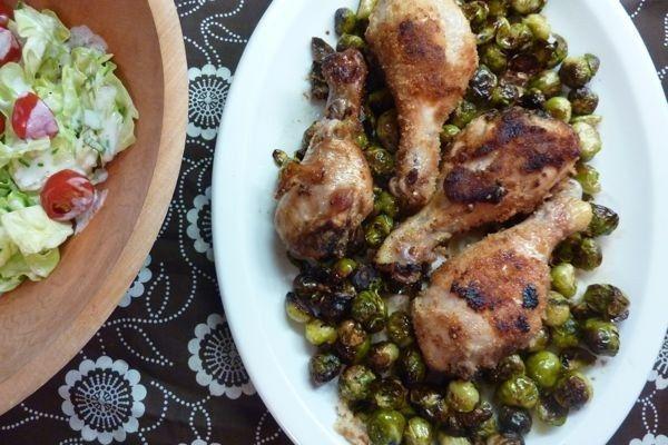 Pollo asado con coles de Bruselas:
