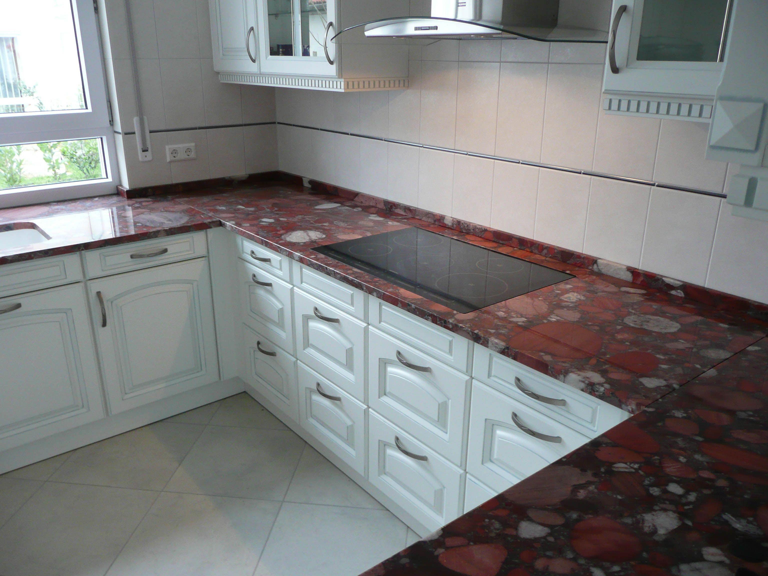 Marinace Rosso Granit Http Www Granit Arbeitsplatten Com Marinace Rosso Granit Arbeitsplatten Marinace Rosso Kitchen Kitchen Cabinets Home Decor