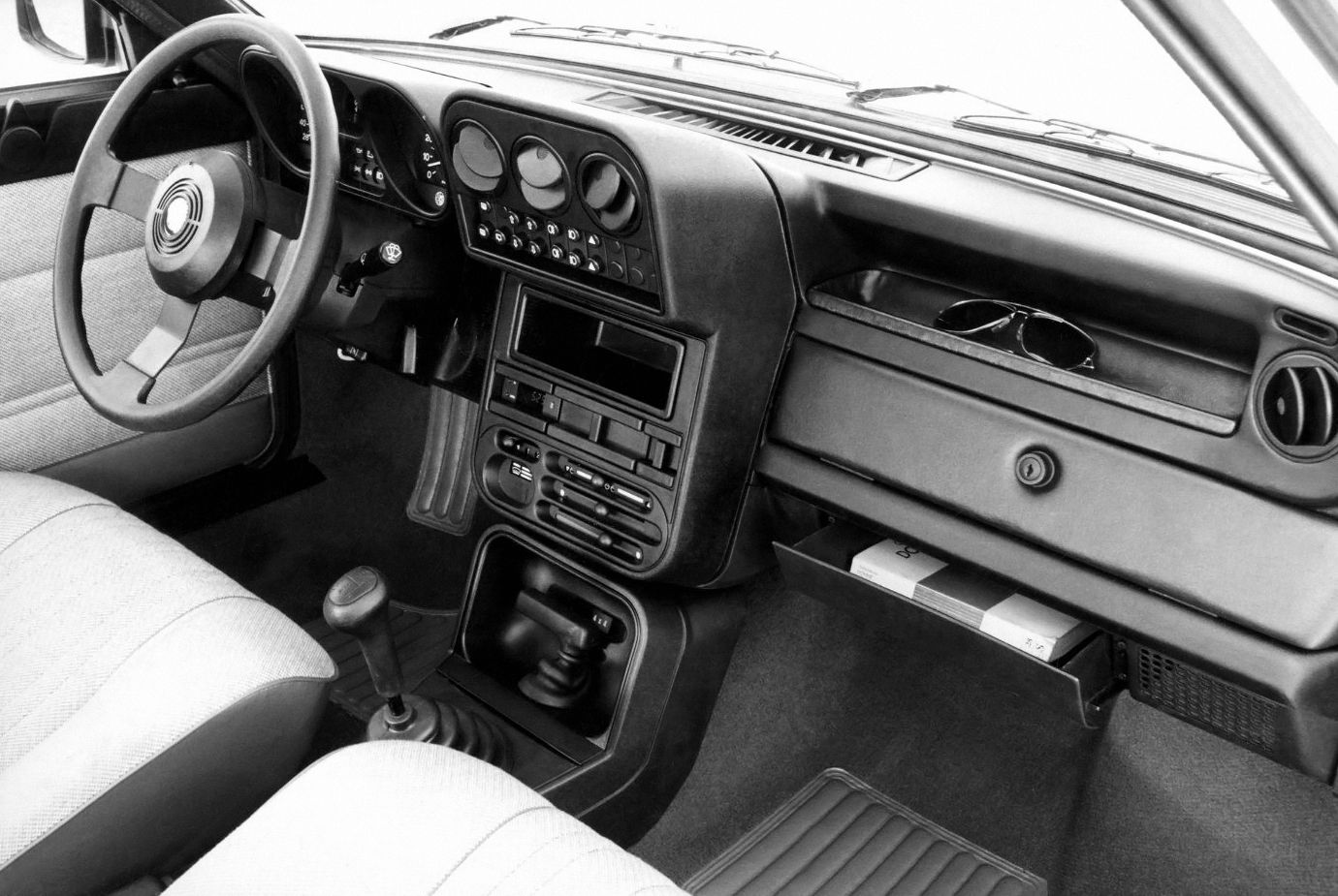 interior alfa romeo 33 1 5 4x4 905 39 1984 86 cars from. Black Bedroom Furniture Sets. Home Design Ideas