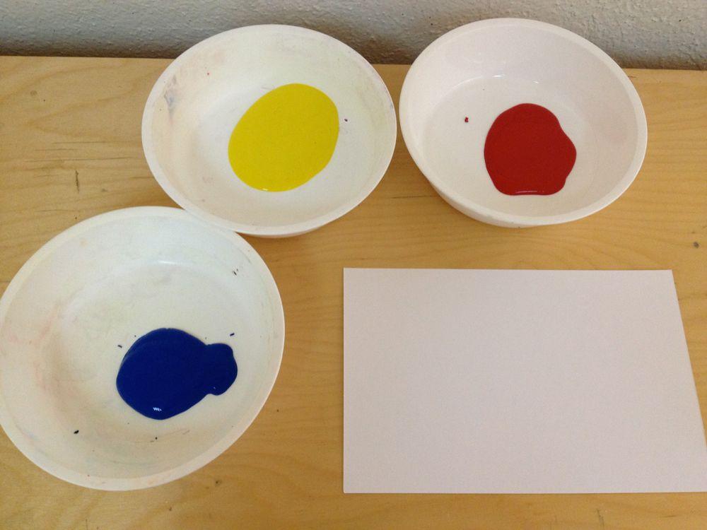 3 hojas blanca pintura tempera de colores primarios rojo for Los colores de pintura