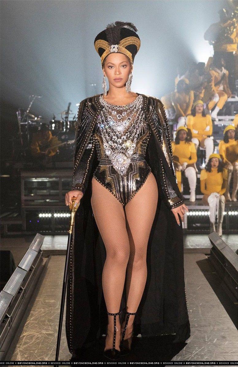 3365b8d7842 Coachella Valley Music & Arts Festival - Rehearsals - Beyoncé Online Photo  Gallery