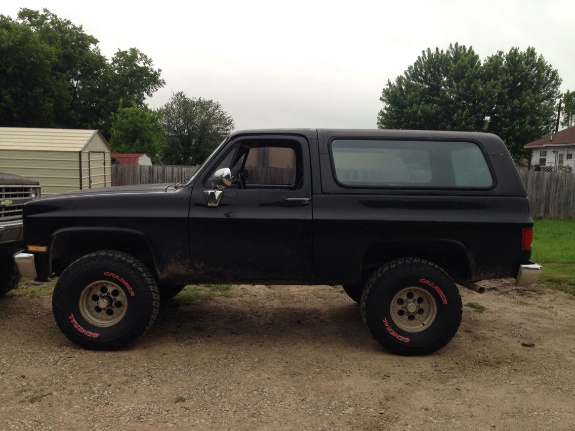 Picture 2 After 2 Body Lift Bigger Tires Square Body Chevy Trucks