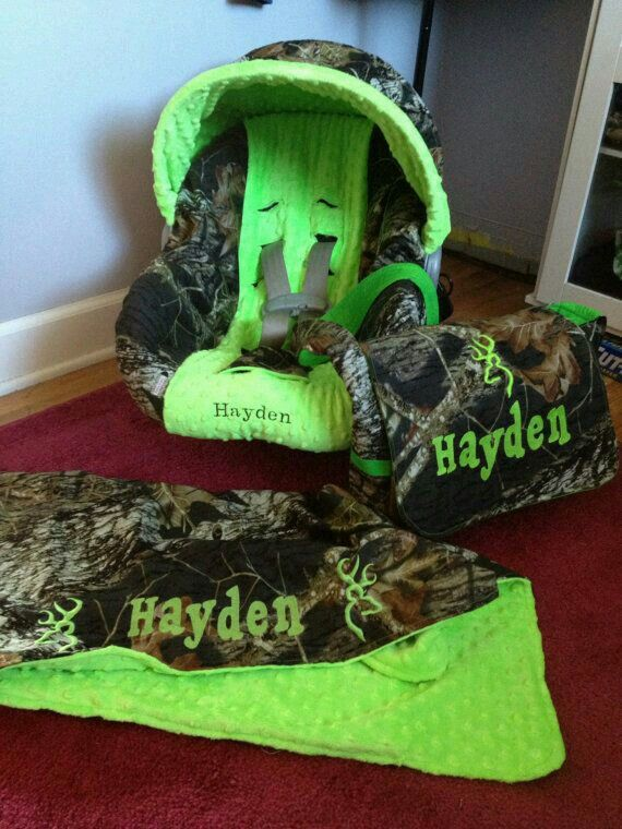 3 Piece Set Mossy Oak Seat Cover Blanket And Diaper Bag
