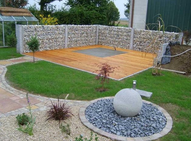bilder terrassengestaltung ideen modern mediterran mit pflanzen beispiele holz reihenhaus. Black Bedroom Furniture Sets. Home Design Ideas