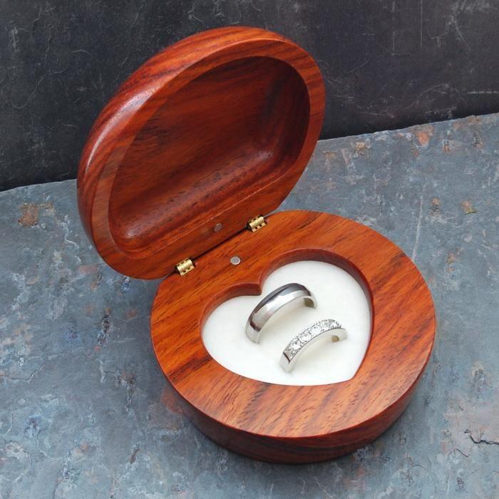 a similar wedding ring box for the ring barer
