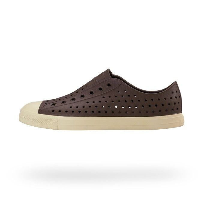 3e65a027f0520 So Crocs hideous. But these (not crocs but similar) shoes are shaped ...