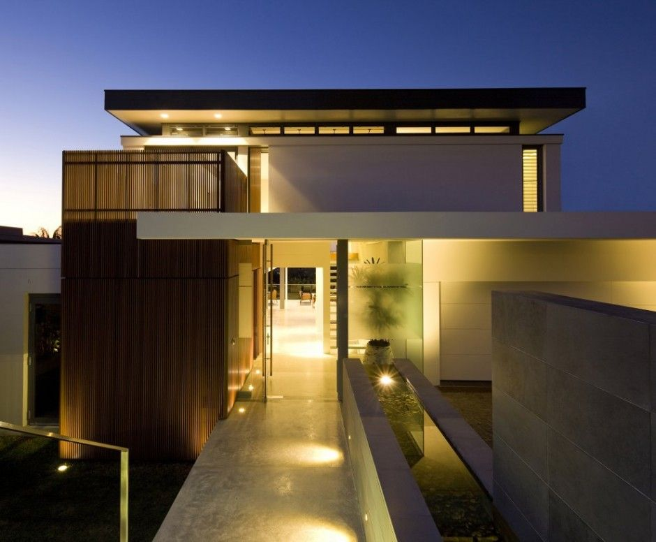 Architecture design Brightly Lit Modern Home in