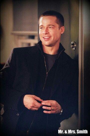 Brad Pitt In Mr Mrs Smith Brad Pitt Brad Pitt And Angelina Jolie Brad Pitt Haircut
