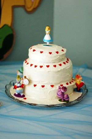 Alice In Wonderland Cake By Trudy Alice In Wonderland Tea Party