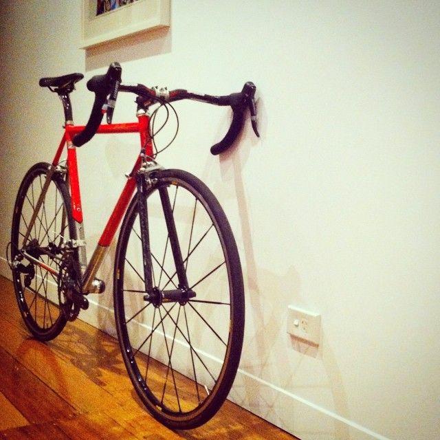 is_____rich (Simon Rich) on Instagram. Serotta titanium bike with Wound Up carbon fiber fork. #woundupfork #woundup #composites #compositeforks #carbonforks #carbonfiber #filamentwound #forkyeah #superforks #madeinutah #americanforks #madeintheusa #handcrafted #bespokeforks