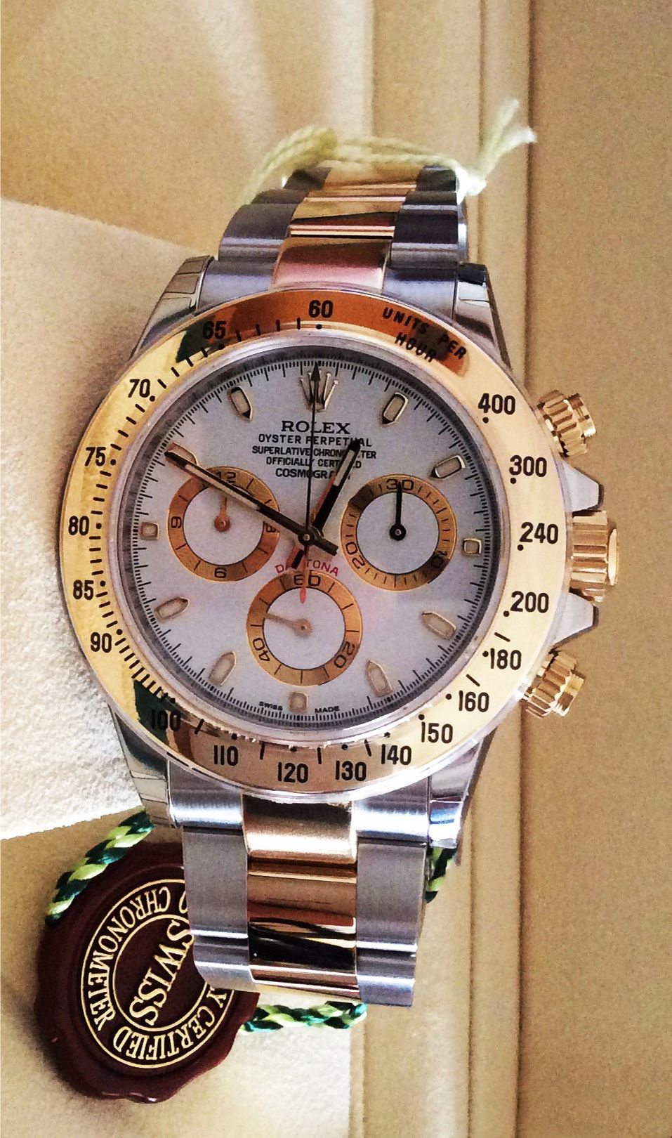 Rolex Daytona 116523 Swisswatchdealers The Central Sweep Seconds Hand Allows An Accurate Reading Of 1 Luxury Watches For Men Rolex Watches Luxury Watches
