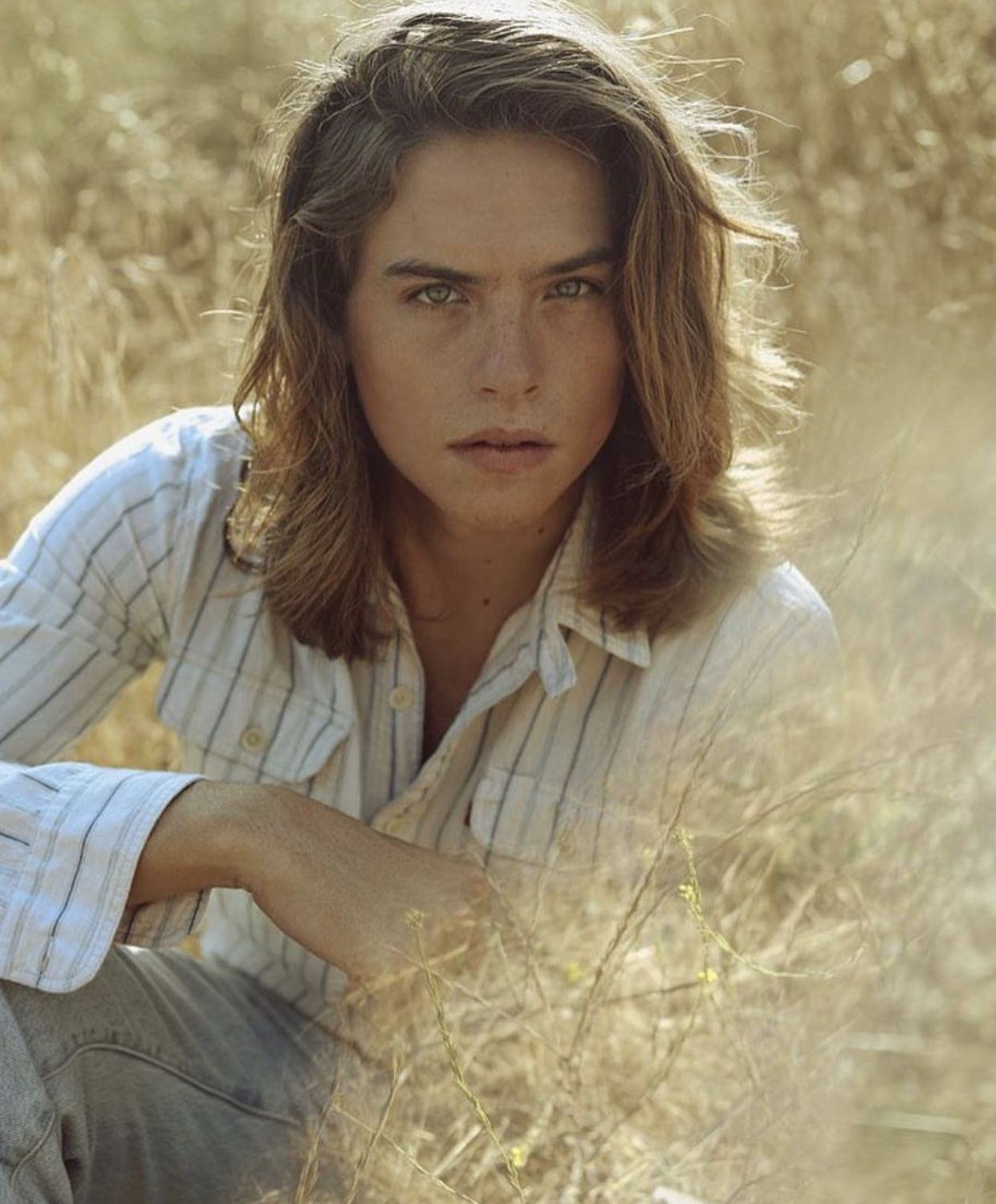Pin By Jessica On Man Candy Dylan Sprouse Long Hair Styles Dylan