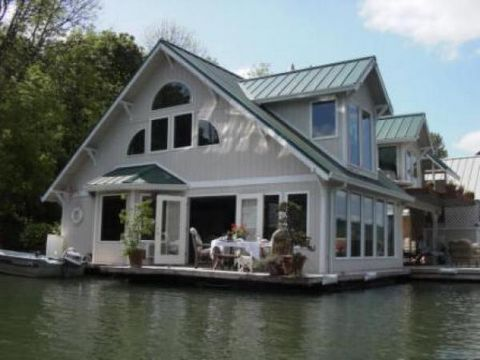 Beautiful Floating Home With Mountain Viewsall Rates In Us Dollars