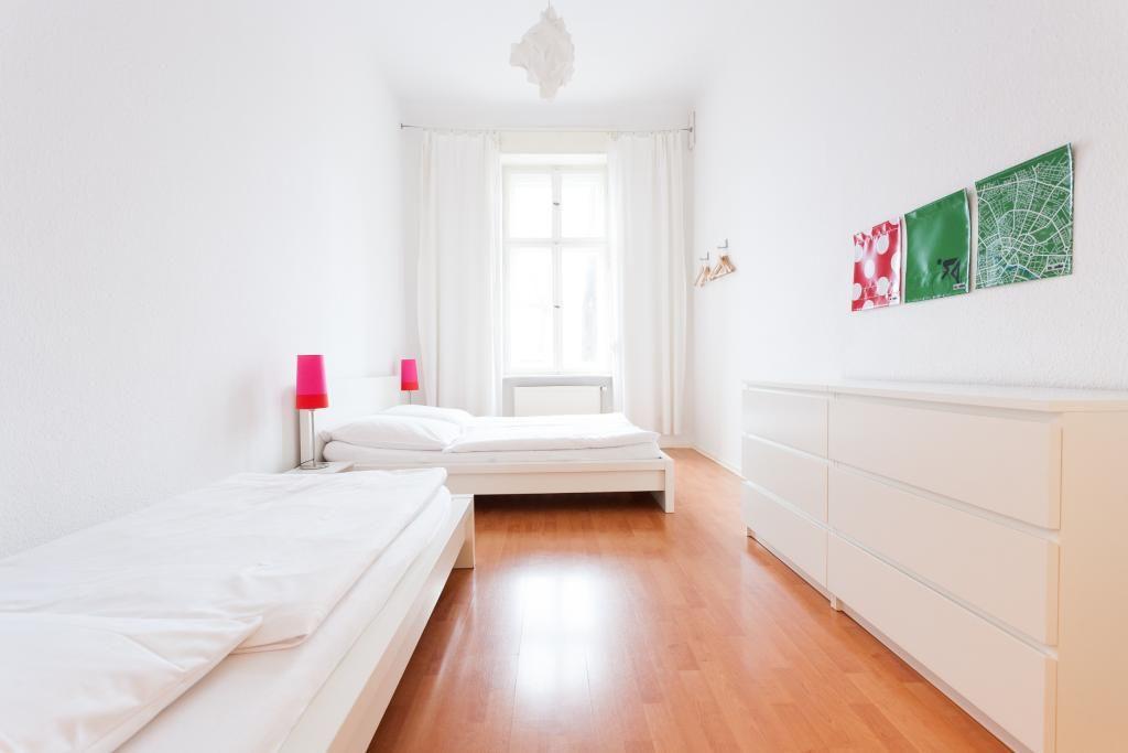 Schlafzimmer Berlin ~ Helles gemütliches schlafzimmer in berliner altbauwohnung