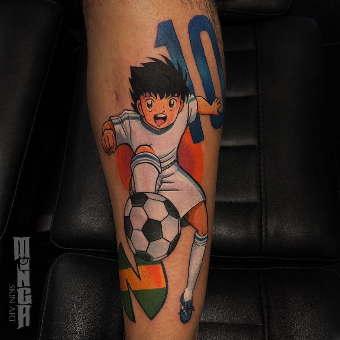 By @minga_skinart #tattoodefender #tattoodefenderteam #tattoodefenderaftercare #tatuati #tatuatori #loveyourskin #holly&benji #cartoontattoo #cartoon #calcio #manga #tattoomanga #
