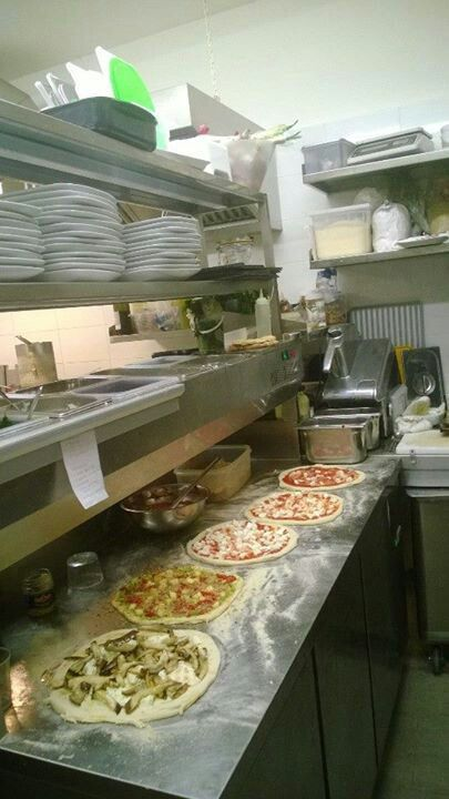 Anyone for a pizza !!!!!
