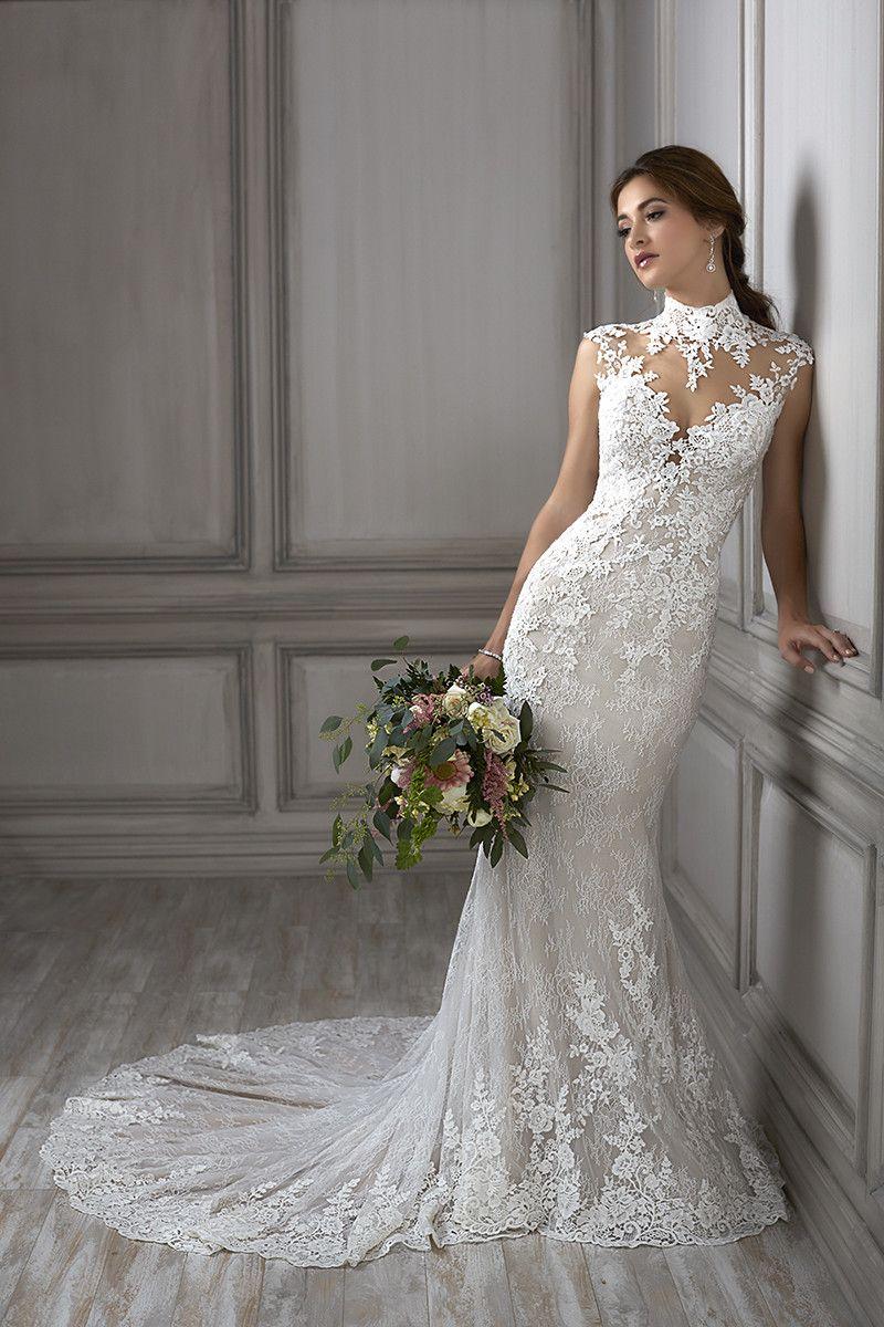 Della Mermaid Wedding Dress By Adrianna Papell Platinum Weddingwire Com Wedding Dress Types High Neck Wedding Dress Bridal Dresses [ 1200 x 800 Pixel ]