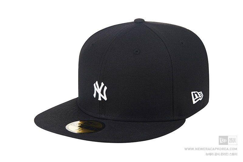 New Era 59fifty New York Yankees Team Mini Logo Black Fitted Baseball Cap Wool Yankees Team Fitted Baseball Caps New York Yankees