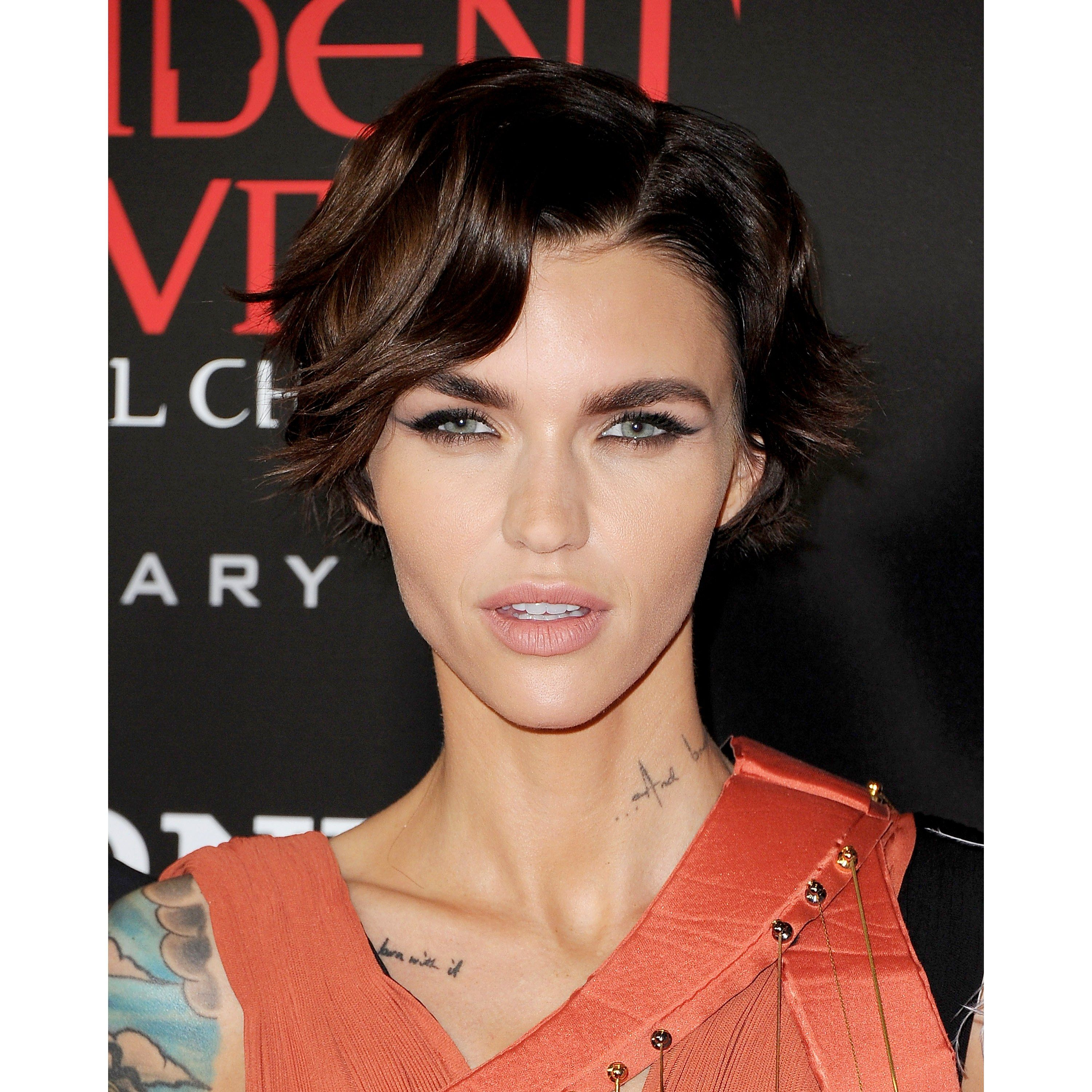 The 16 Hottest Haircuts Right Now | Hot haircuts, Haircuts and Pixies