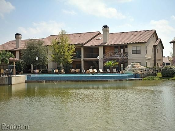Landmark 144 Landa Street New Braunfels Tx 78130 Rent Com Apartments For Rent Rent New Braunfels