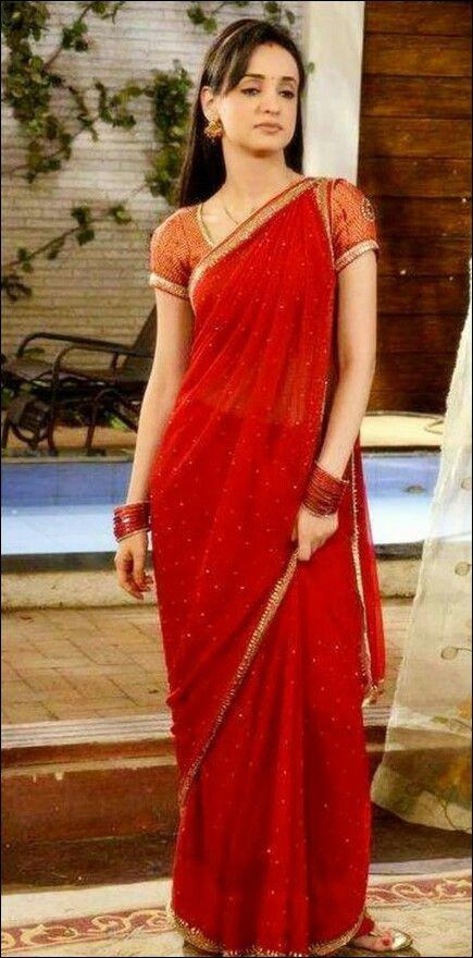 1b00b451e1 Sanaya Irani as khushi | Arnav n Khushi | India fashion, Sanaya ...