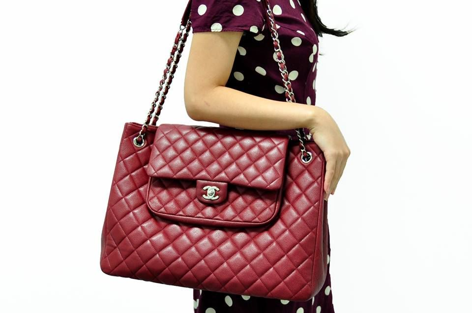 CHANEL POUCH RED CAVIAR TOTE