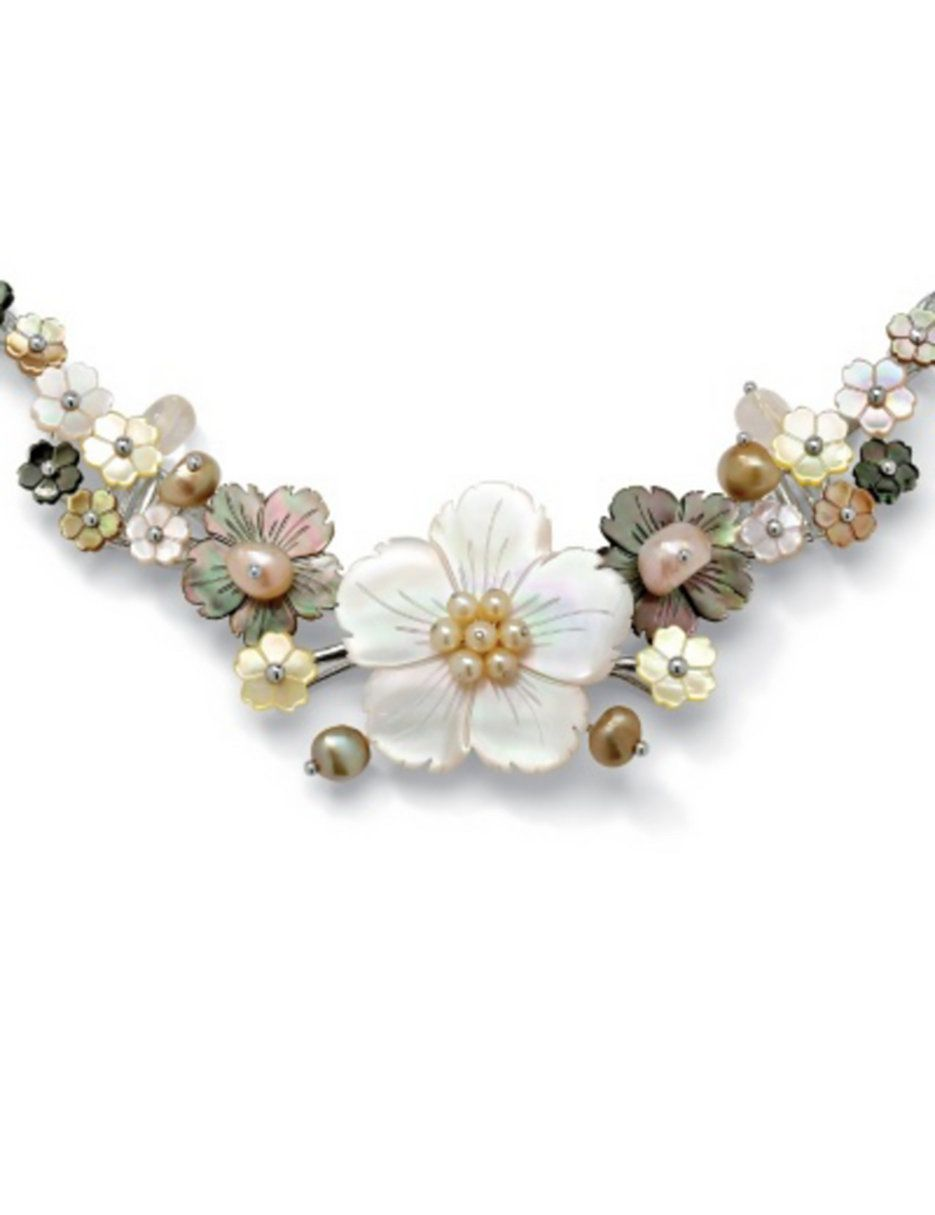 I am not sure if I love this necklace, but it could work with the right outfit...