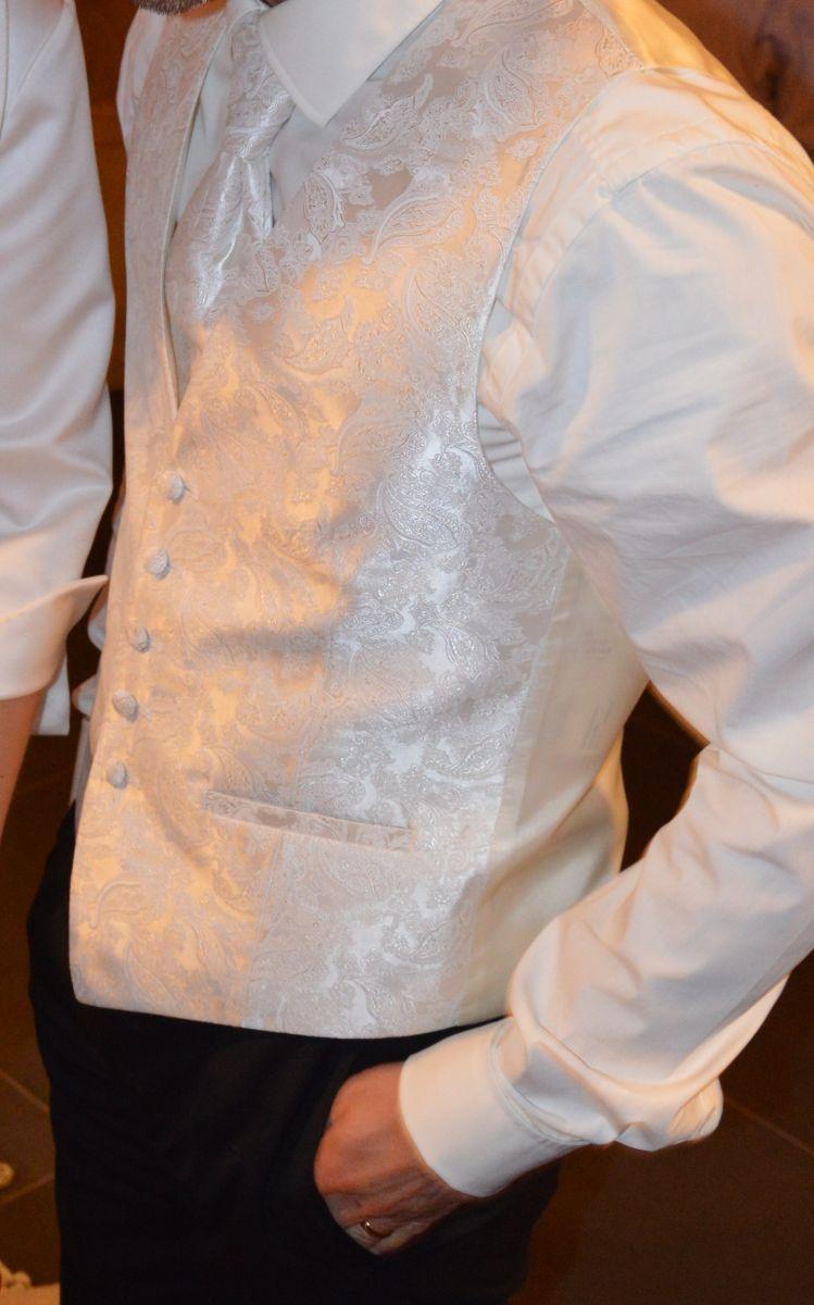 ♥ Männer-Hochzeitswestenset ♥  Ansehen: http://www.brautboerse.de/brautkleid-verkaufen/maenner-hochzeitswestenset/   #Brautkleider #Hochzeit #Wedding