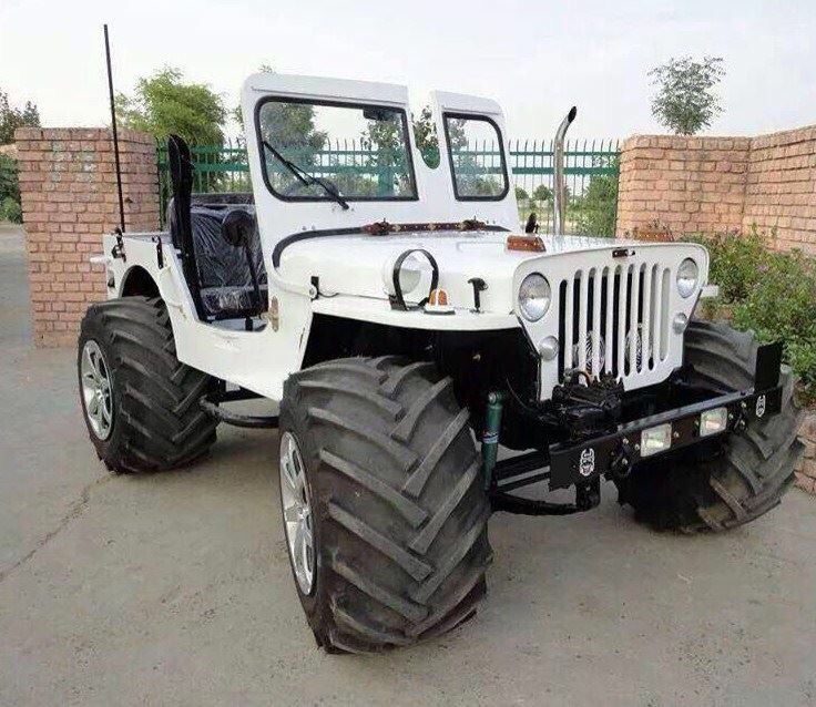 White Jeep With Big Tires Jeep Jeep Suv Jeep Cars