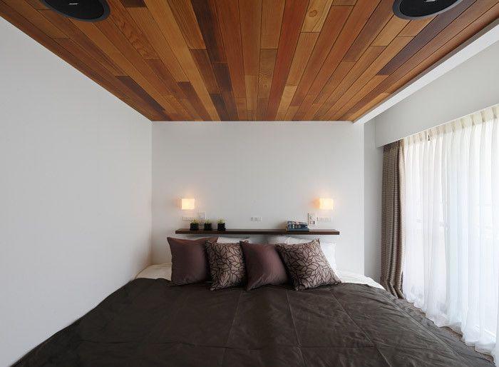 ベッドルームのインテリア 夜はシックでメロウに ベッドルーム