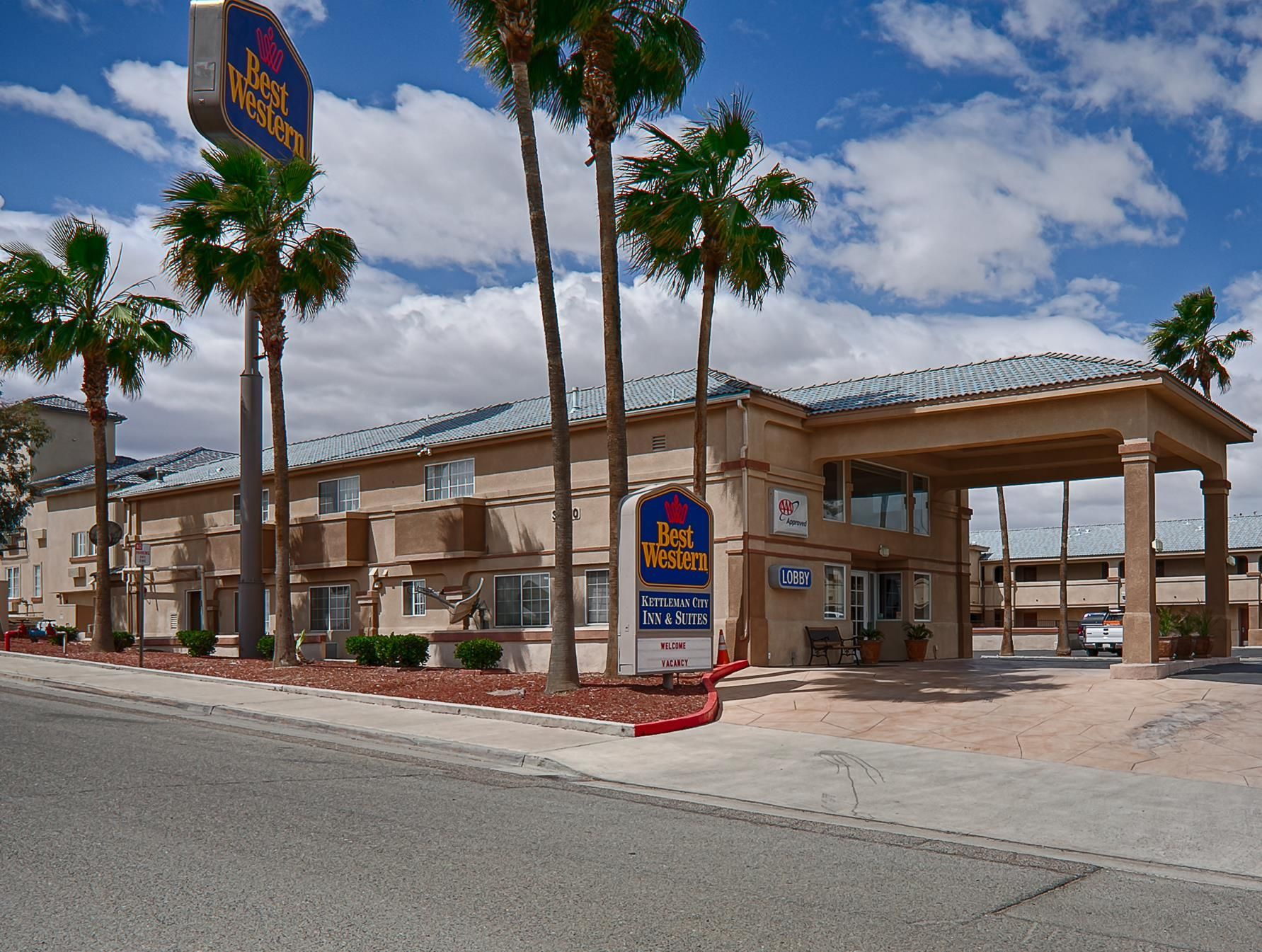 Kettleman City (CA) Best Western Kettleman City Inn and Suites United States, North America The 3-star Best Western Kettleman City Inn and Suites offers comfort and convenience whether you're on business or holiday in Kettleman City (CA). The hotel offers a high standard of service and amenities to suit the individual needs of all travelers. All the necessary facilities, including 24-hour front desk, car park, meeting facilities, laundry service, shuttle service, are at hand. ...