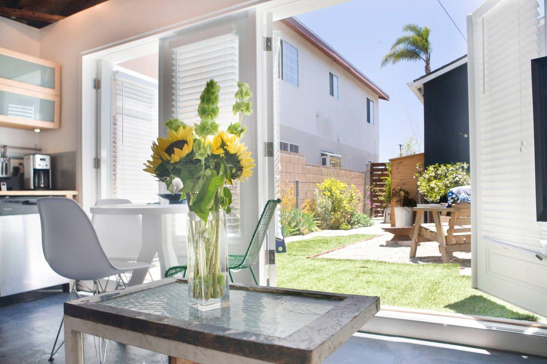 The Common Studio Venice Beach Ca Houses For Rent In Los Angeles Venice Beach House Venice Beach Beach Communities