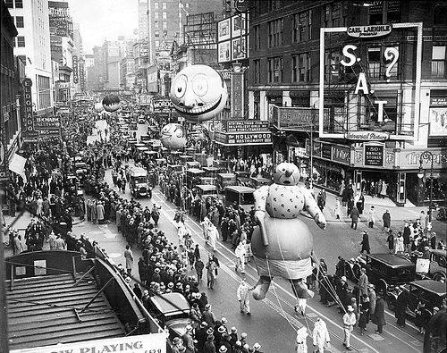 Vintage Images Of Macy S Thanksgiving Parade 1930 Macy S