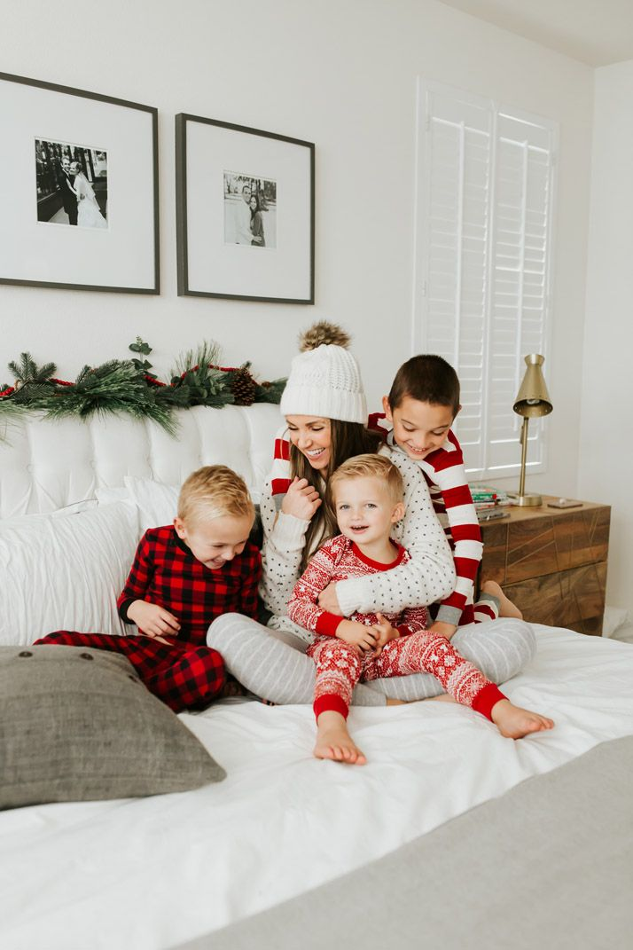 Christmas Pajamas for the Whole Family #familyphotooutfits