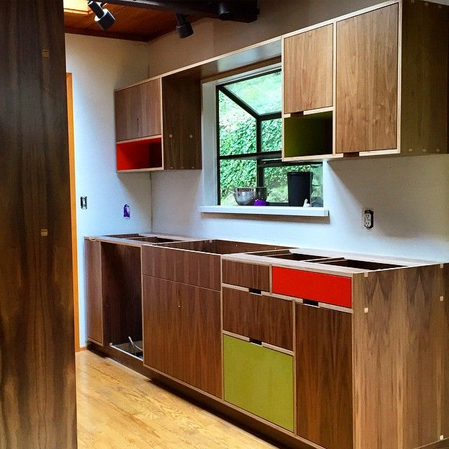 Modern Kitchen Cabinets Seattle: Walnut Europly Kitchen Awaiting Counter Tops And Other
