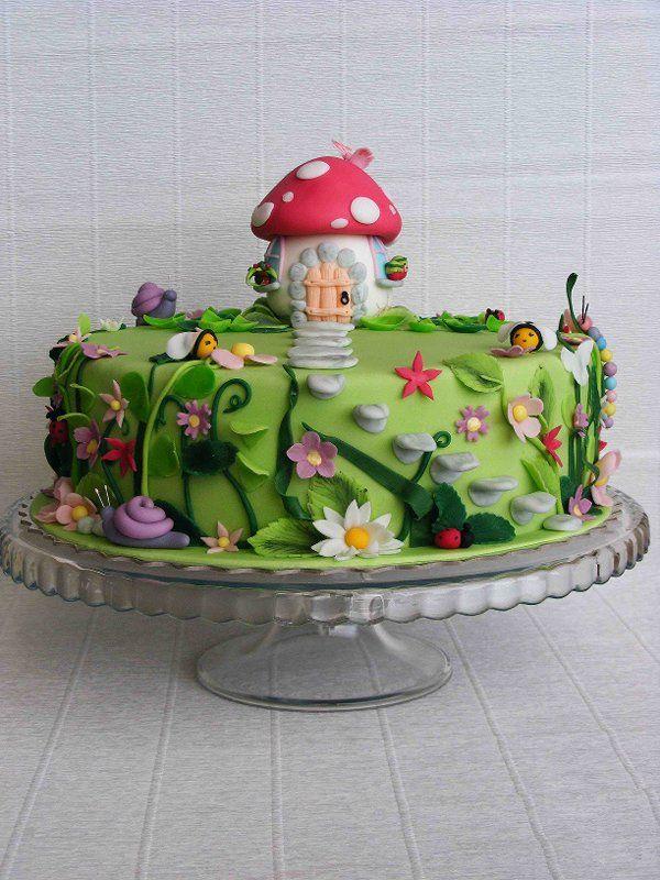 Little mushroom house in an enchanted garden gnomessssss for Fairy garden birthday cake designs