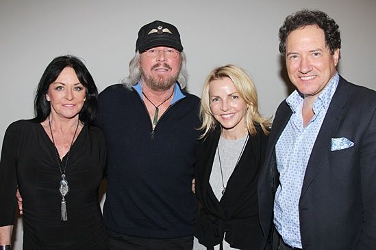 Motown Op Linda Gibb Barry Gibb Kevin Mccollum And Wife Barry Gibb Motown Image