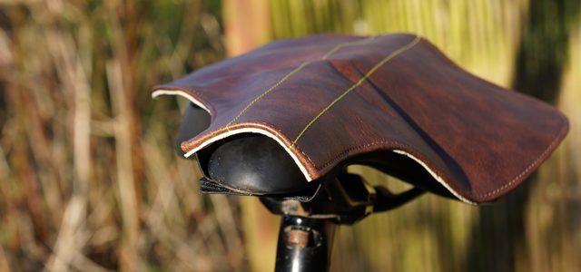 Stilfuldt og velfungerende regnslag i luksusklassen, der burde være standardudstyr hos alle dagligdagscyklister.